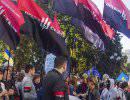 «Правый сектор» начинает штурмовать администрацию Порошенко