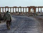 Хроника Сирии: террористов выбивают из Алеппо, ИГИЛ атакует Пальмиру