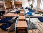 АТОшников отправили отдыхать, а поселили в казармах без света, воды и тепла