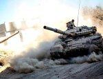Сирийская армия вбивает клин в оборону боевиков под Дамаском