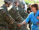 Баронесса Кокс посетила линию карабахского фронта