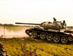Армия Асада атакует боевиков на кладбище Дейр-эз-Зора из Т-55 и ЗУ-23-2