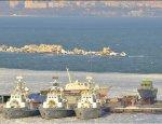 Жалкие остатки украинского ВМФ вмерзли в лед