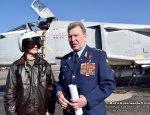 Ветеран военной авиации передаёт опыт лётчикам в Сирии