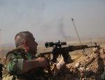 Снайперская дуэль: в сеть попали кадры охоты на боевиков в Ракке