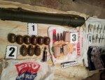 Кучно пошло: в регионах Украины обнаружены арсеналы