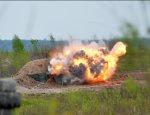 Диверсия ВСУ: появилось видео с места взрыва трактора на мине в Донбассе