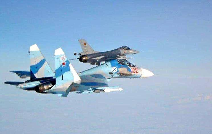 Тайна гибели Су-27 в США раскрыта: истребитель столкнулся в воздухе с F-16