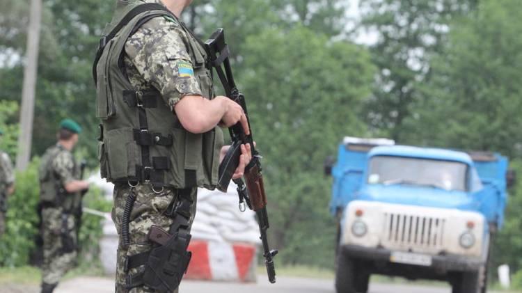 Украинский пограничник спустил собак на наблюдателей ОБСЕ