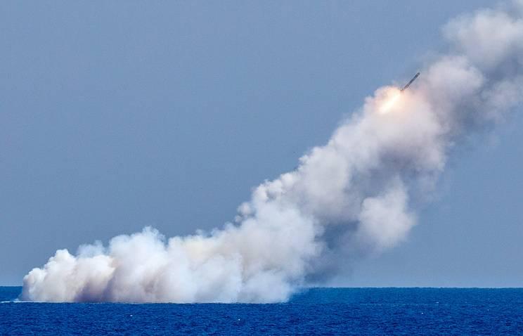 Подлодка «Великий Новгород» «Калибрами» уничтожила базы боевиков в Сирии