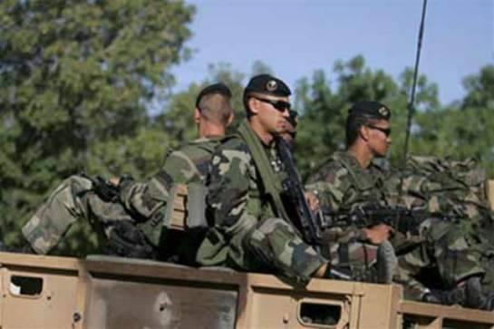 На севере Алжира боевики убили четверых военнослужащих