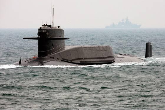 Ким Чен Ын доволен: КНДР строит субмарину с баллистическими ракетами