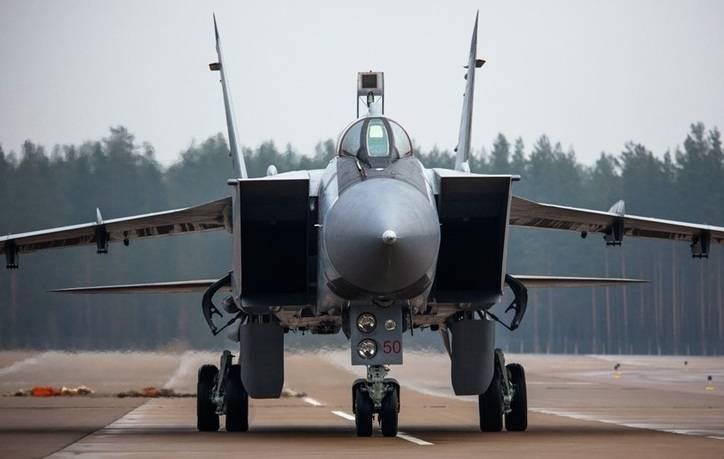 Втрое мощнее: модернизированные МиГ-31БМ встают на оборону РФ