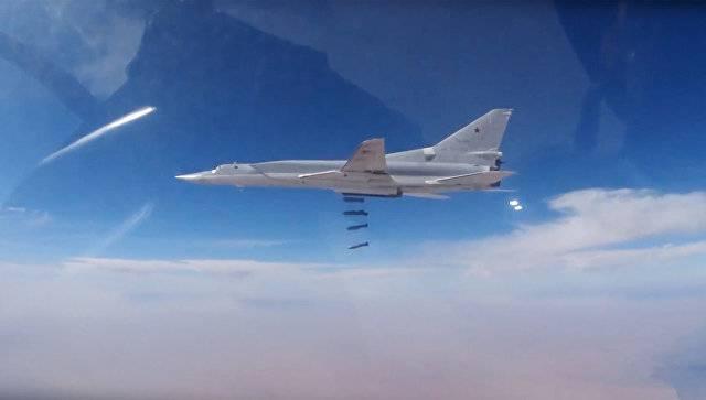 Шесть самолётов ВКС РФ Ту-22М3 уничтожили важные объекты ИГ в Абу-Кемале