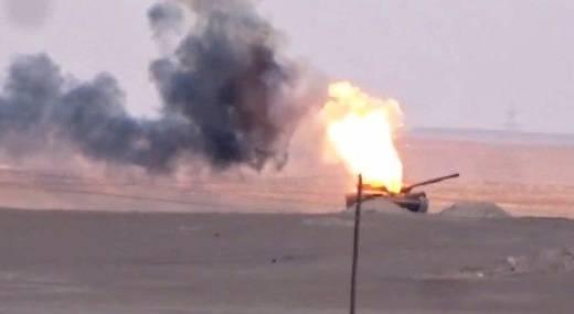 ПТУР TOW из США превратил еще один сирийский Т-72 в факел