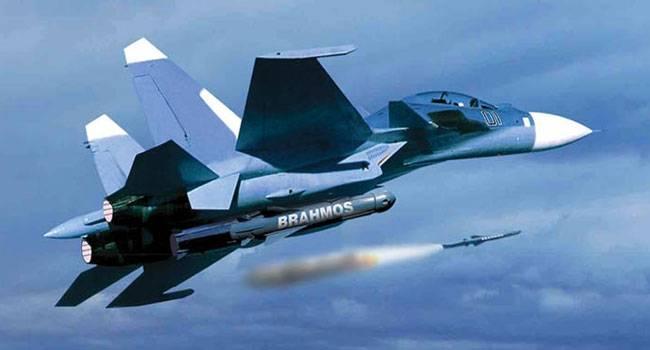 И «БраМос» полетел: в Сети появилось видео запуска новой ракеты с Су-30МКИ