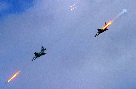 Бойцы САА отбивают город под прикрытием российских «Грачей» в центре Сирии