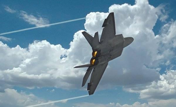 Американские F-22 чуть не сбили российский самолет в небе над Сирией?