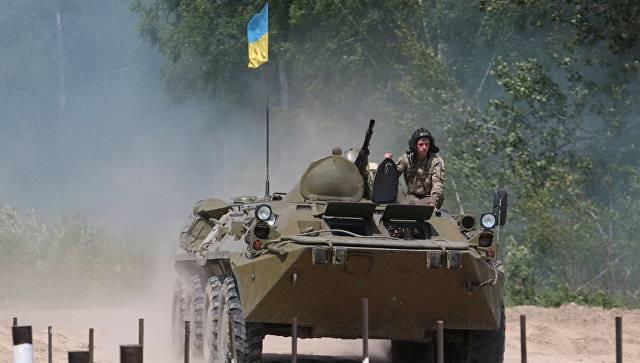 Инцидент в Луганской области: украинский БТР подорвался на мине ВСУ