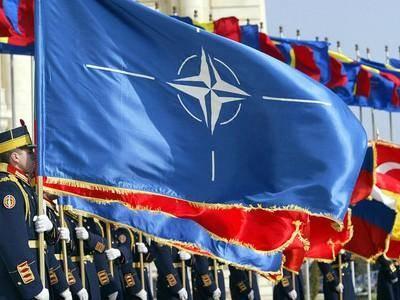 Сотрудничать с НАТО можно и нужно, но ухо востро