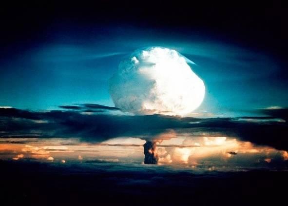 Как и зачем США пытаются столкнуть мир к Третьей Мировой