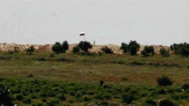 Курды вывесили российский флаг, готовясь к нападению турецкой армии в Африне