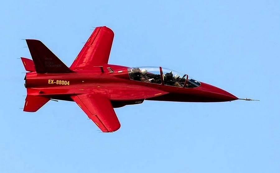 Новые российские учебно-тренировочные самолеты: взгляд со стороны