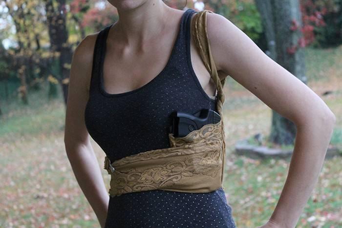 Lethal Lace: женская кобура для скрытого ношения под облегающей одеждой