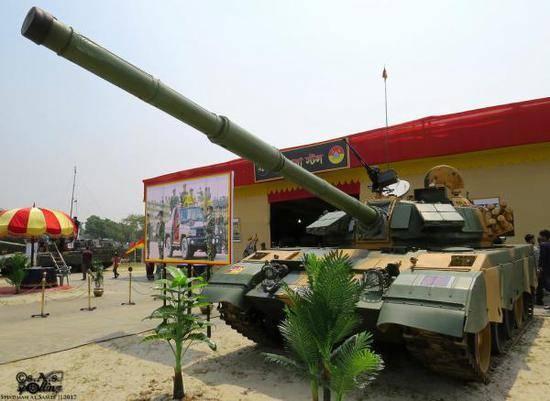 Бангладеш отказался от закупки российских Т-72Б3 в пользу танков из КНР