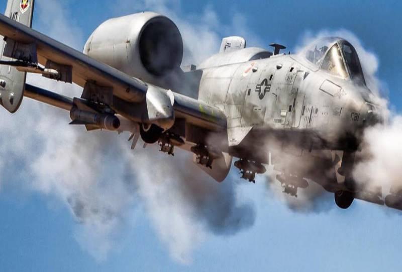 Чем американцы A-10 Thunderbolt II заменят?