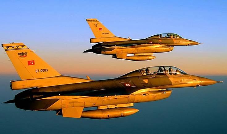 Турецкие ВВС атаковали Африн после входа в него просирийских сил