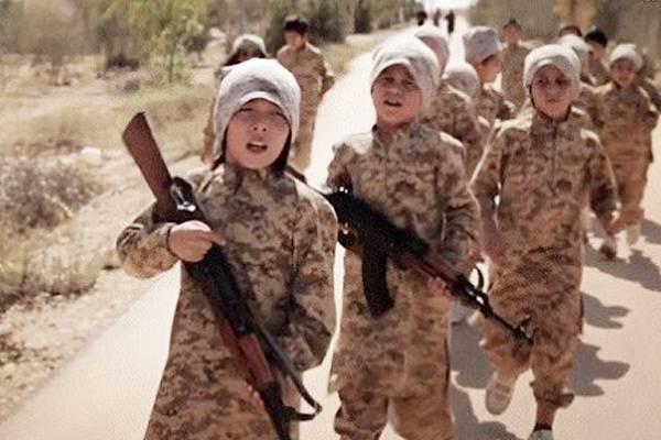 Неприятные подробности: ИГ тренирует детей на подконтрольной США земле