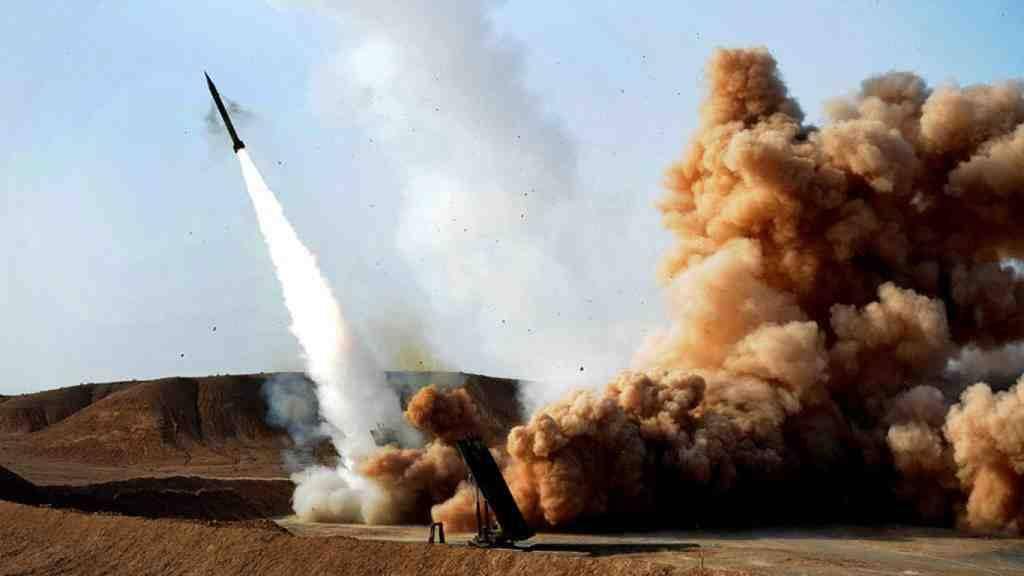 Баллистический удар по аэропорту саудитов: хуситы атакуют из РСЗО Badr-1
