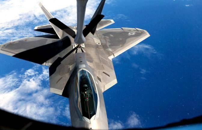 США описали особую роль истребителя F-22 во время удара по Сирии