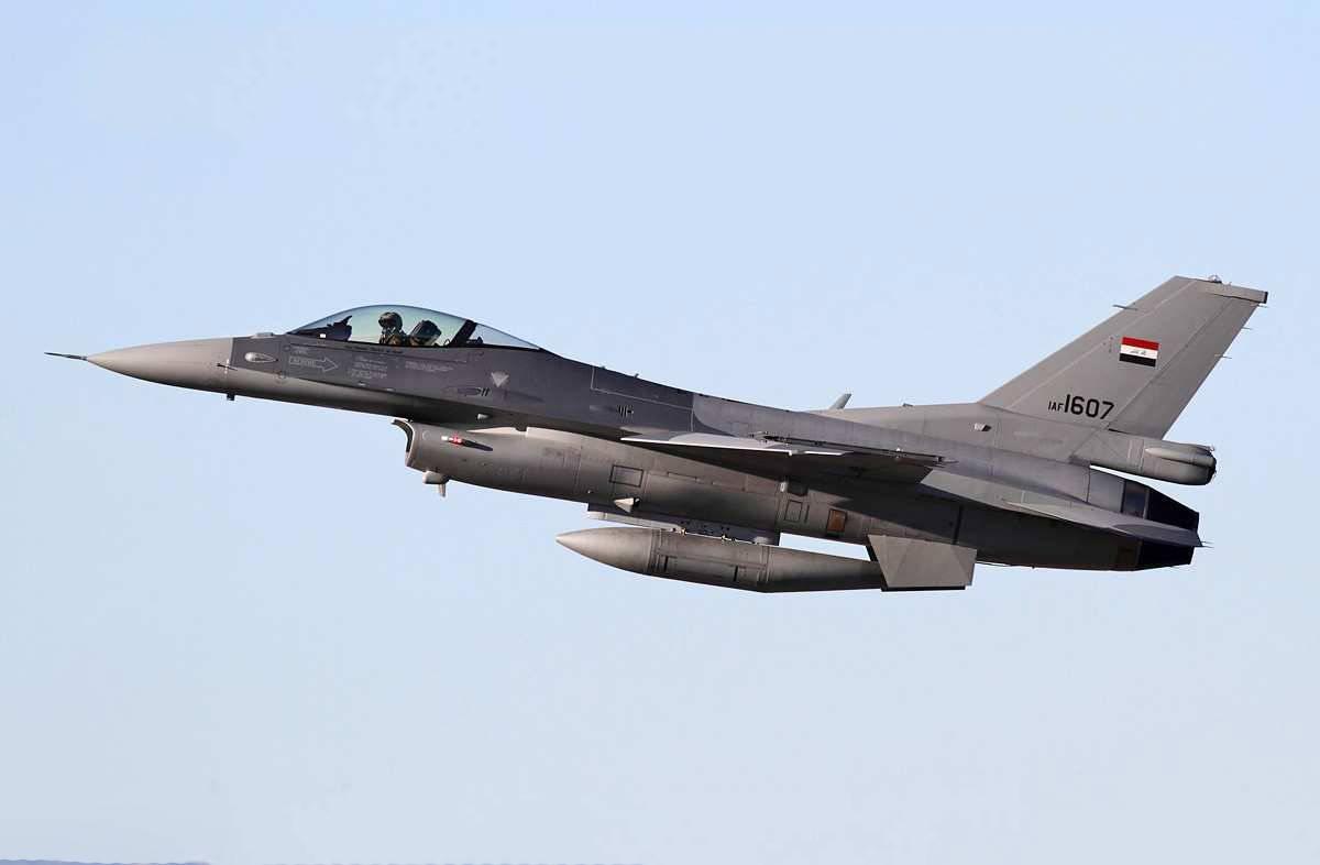 ВВС Ирака уничтожили десятки боевиков ИГИЛ, включая командиров