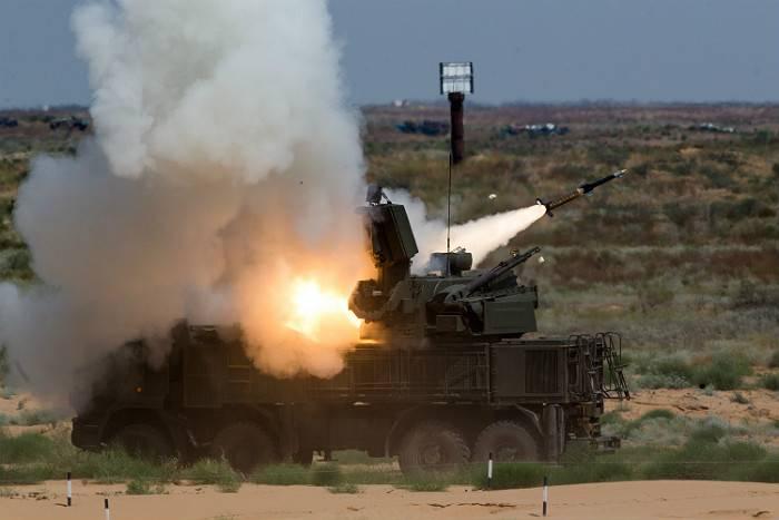 Средства ПВО на авиабазе РФ «Хмеймим» открыли огонь по неизвестному БПЛА