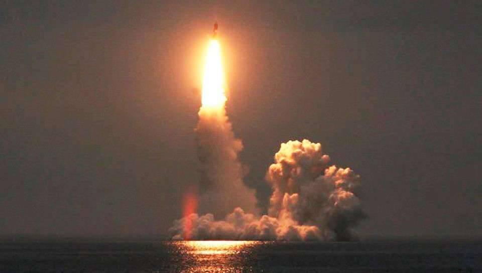 «Юрий Долгорукий» запустил четыре ракеты «Булава» разом