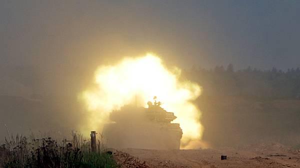 Эффектные фото танков Т-72Б3 на соревнованиях