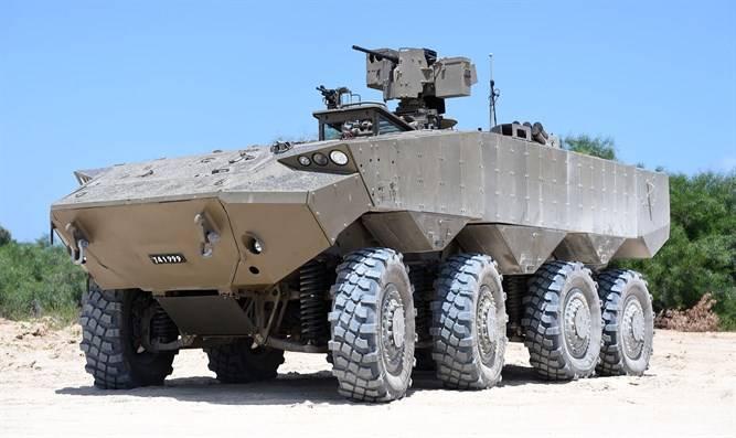 В Израиле показали финальную версию бронетранспортера Эйтан