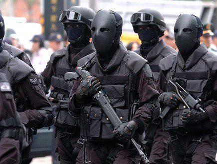 Неизвестные в черном камуфляже: в Одессе атаковали водонасосную станцию