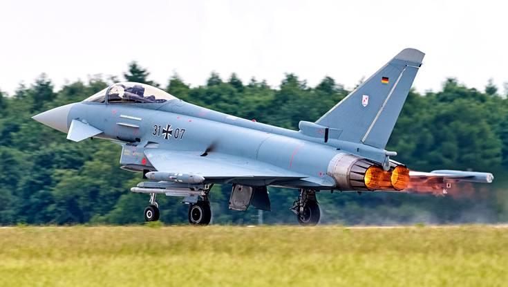 Германия просит США поделиться ядерным оружием