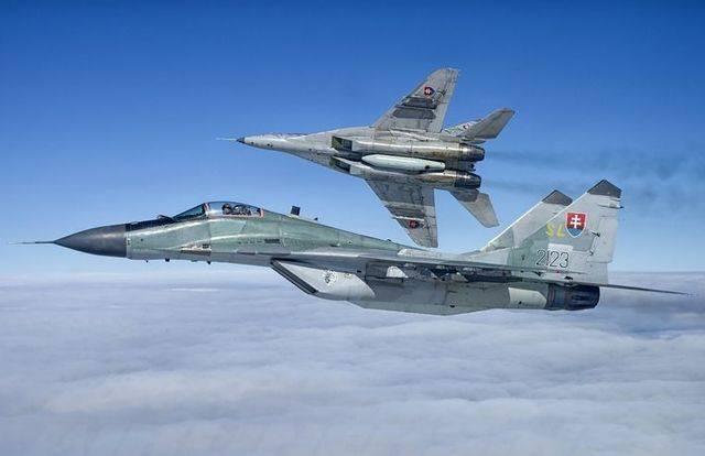 Словакия внезапно передумала менять российские истребители